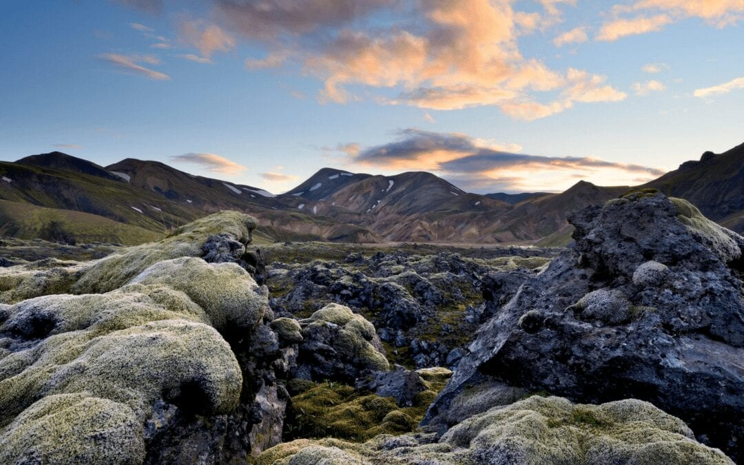Recharge in the land of fairies, geysers and volcanoes