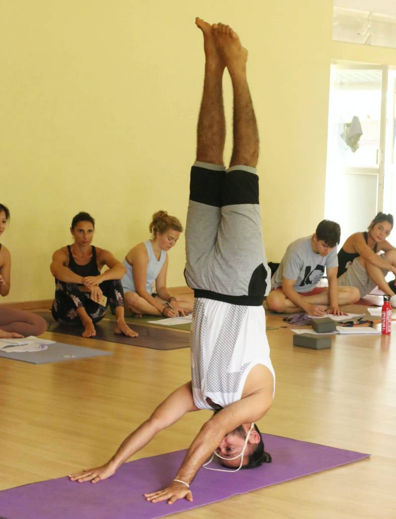 Advance Headstand with Yogacharya Rakesh